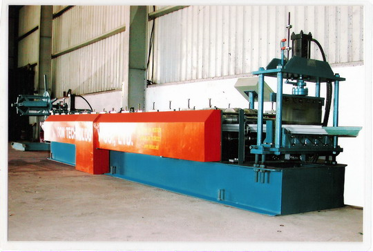 SEAM LOCK ROLL FORMING MACHINE