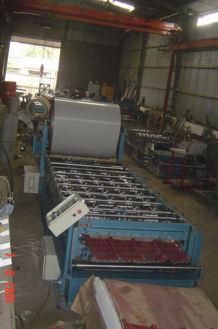 MOBILE ROOF ROLL FORMING MACHINE