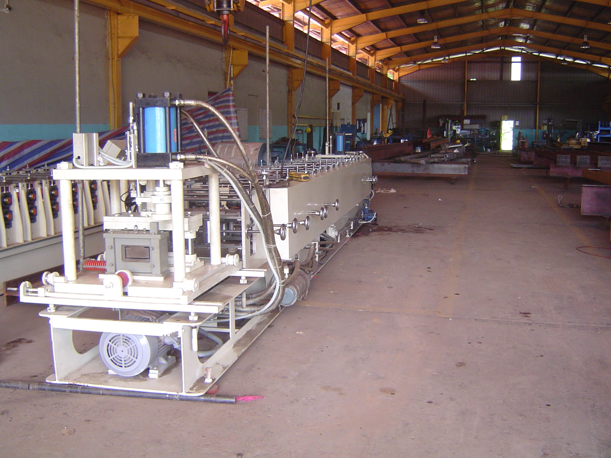 C-Z PURLIN FORMING MACHINE